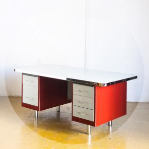 Mesa de escritorio. España,...