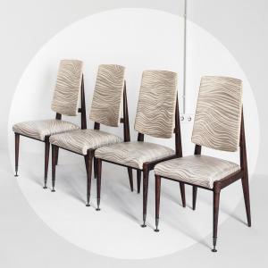 Conjunto de cuatro sillas....