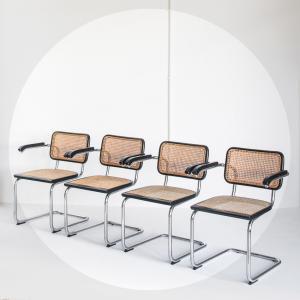 Conjunt de 4 cadires...