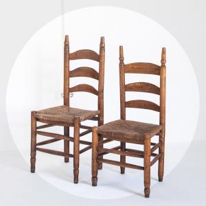 Pareja de sillas bajas,...